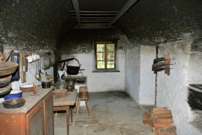 traditional farmhouse kitchen whitewashed to shoulde rheight, black above