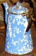 Vintage US enamel in agateware style